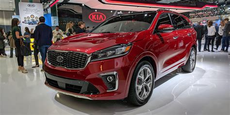Get A Closer Look At The Revised 2019 Kia Sorento At The