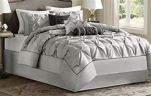 Grey, Bedding, And, Matching, Curtains