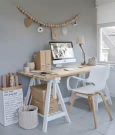 bureau blanc et bois déco scandinave 30 idées sur l 39 intérieur de style pur et