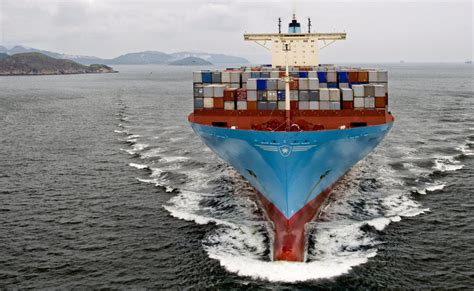 maersk to schedule maersk line hits co2 target ahead of schedule gcaptain