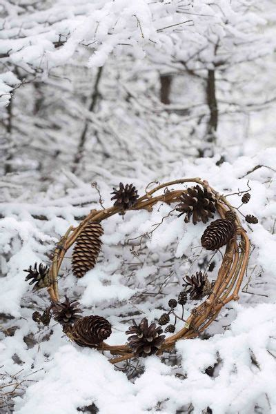 Wreath Different Size Pine Cones Style Winter