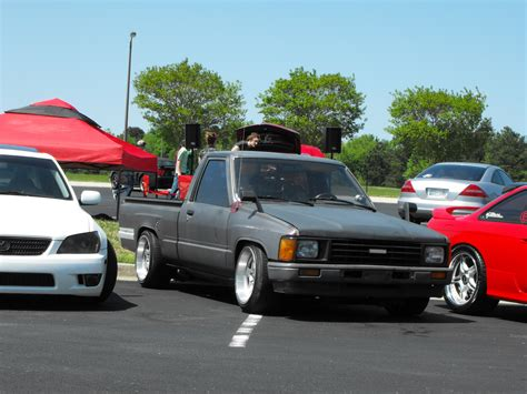lowered trucks image gallery lowered toyota pickup