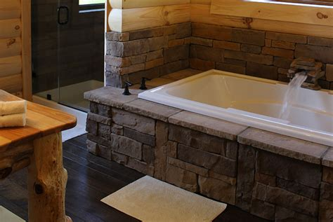 cottages in bath with tub berlin ohio cabin rentals cabin for two