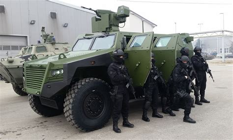 ARMOURED MULTI-PURPOSE COMBAT VEHICLE 4x4 - BOV M16 MILOSH ...