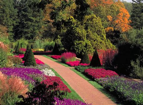 Top 10 Most Beautiful Gardens In The World  The