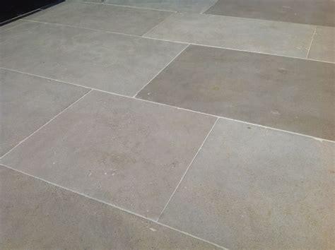 Floor Flagstone Tiles by Pin By Louann Larson On Tile Flooring Paint Flagstone