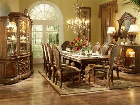 Welcoming And Sophisticated American Dining Room