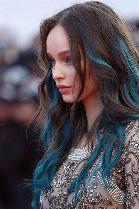 Streaks Hairstyles by Top 25 Blue Hair Streaks Ideas For Sheideas