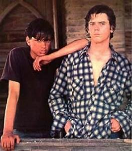 JOHNNY AND PONYBOY - The Outsiders Photo (5590471) - Fanpop