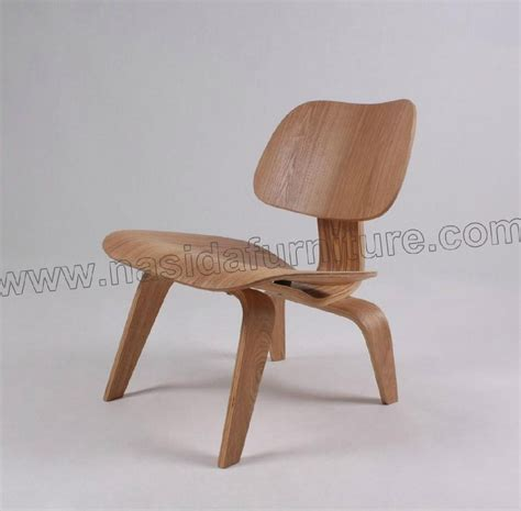 eames molded plywood lounge chair ch054 nasida