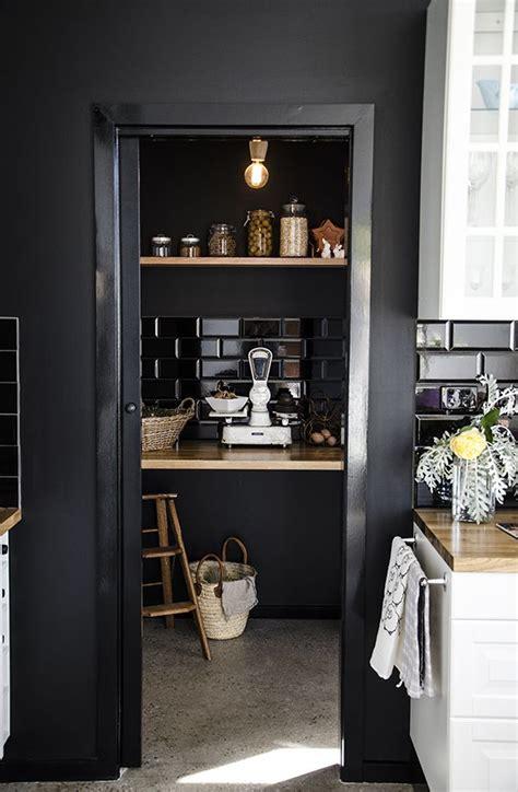 black  beautiful kitchens   love