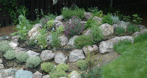 kräutergarten anlegen beispiele bio gartenbau kr 228 uterspirale anlegen