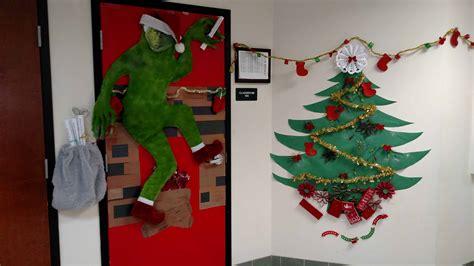 orlando holds  door decorating contest keiser university
