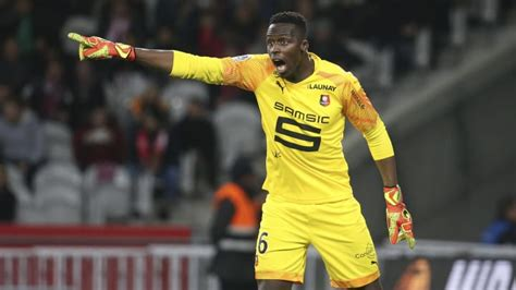 Chelsea's Deal for Rennes Goalkeeper Édouard Mendy 'Almost ...