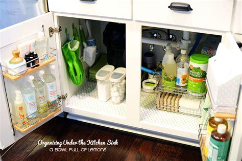 ranger la cuisine comment ranger sous le lavabo de la cuisine voici 15 idées inspirantes