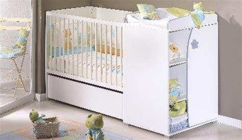 deco chambre petit espace une chambre de bébé dans un petit espace