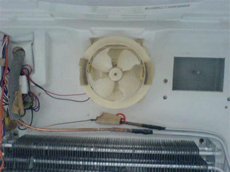 refrigerator fan not running daewoo fridge freezer which way should the fan run