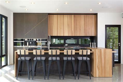 idée déco appartement cuisine armoires de cuisine photo id 195 169 e d 195 169 co contemporaine moderne armoire moderne bois massif