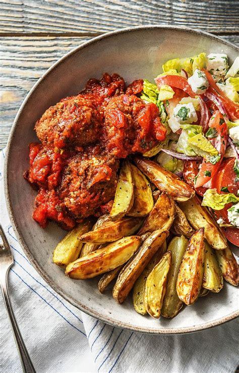 bifteki griechische hackbaellchen mit tomatensosse