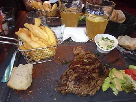 bureau restaurant rouen goats cheese burger and chips salad picture of au