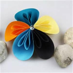 Einfache Papierblume Basteln : blumen aus papier basteln diy love ~ Eleganceandgraceweddings.com Haus und Dekorationen