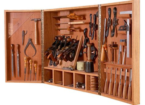 wall cabinet  hand tools plan finewoodworking