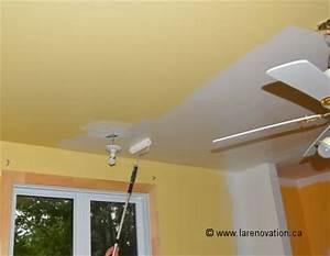 Comment peindre un plafond crepi 2 pour bien appliquer for Comment bien peindre un plafond