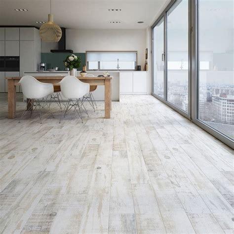wood effect kitchen floor tiles best 25 wood effect tiles ideas on 1931