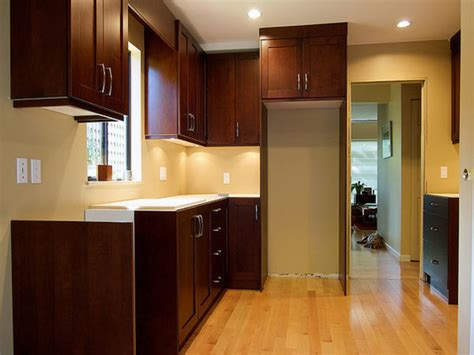 kitchen cabinet and wall color combinations kitchen wall colors with cabinets kitchen color 9075