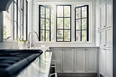 window trends   builder magazine housing trends design windows