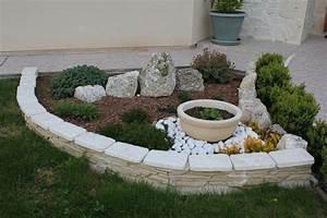 decoration jardin en pierre With idee amenagement jardin paysager 0 idee de salon de jardin lounge sur terrasse pierre