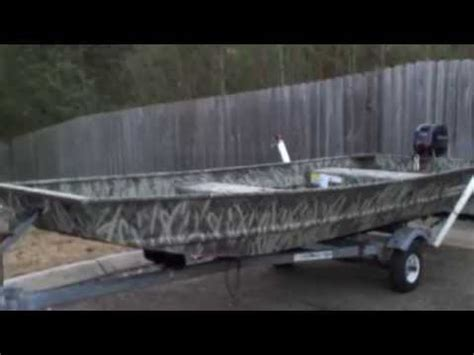 Jon Boat Camo Stencils by Camo Paint Job On My Jon Boat Bigshotoutdoors Youtube