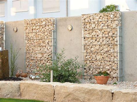 Zaun Begrünen Immergrün by Gartenz 228 Une Und Mauern Sch 252 Tzen Vor L 228 Rm Und Neugierigen