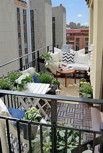Loungemöbel Für Kleinen Balkon : 1000 ideen zu balkonm bel f r kleinen balkon auf pinterest kleinen balkon gestalten ~ Sanjose-hotels-ca.com Haus und Dekorationen