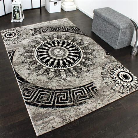 tapis pas cher pour votre maison deco gris noir  blanc