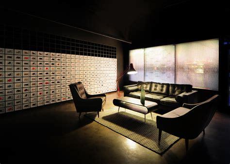 showroom bureau bureau de change places projections in made com showroom