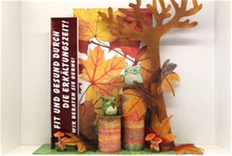 Herbstdeko Fenster Bestellen by Schaufenster Dekorationen Und Werbegestaltung F 252 R