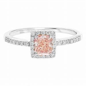 How to choose the perfect engagement ring for How to choose a wedding ring