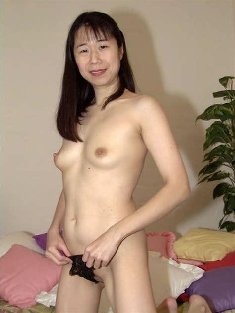 Milfs Bang Asian Milf :: MILF Porn