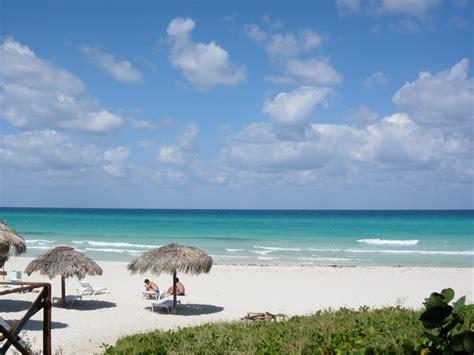 cubas famous varadero beach   la famosa