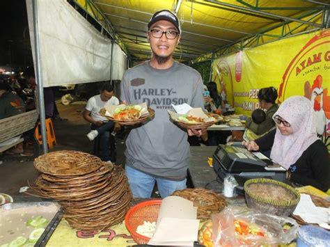 Ayam gepuk pak gembus 11 months ago. Wow! Dalam 5 Tahun, Ayam Gepuk Pak Gembus Sudah Punya 700 ...