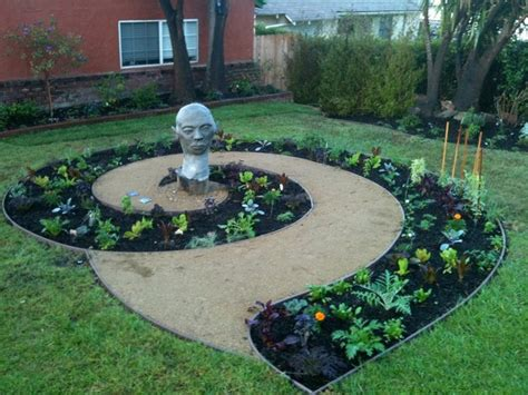 15 Creative Spiral Garden To Break The Monotony In Outdoor