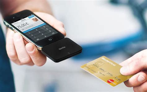 cell phone credit card reader 10 ways to turn your smartphones into credit card readers