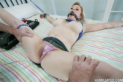 hot milf cunt gets gagged tied up and fucked from behind pichunter