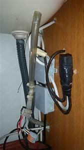 Wasserschlauch An Wasserhahn : austausch eines wasserhahnes im wohnwagen giga sixkiller ~ A.2002-acura-tl-radio.info Haus und Dekorationen
