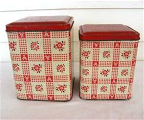 vintage kitchen storage tins 1000 images about kitchen canister sets on 6834