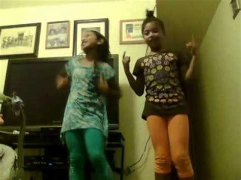 Marshallese girls