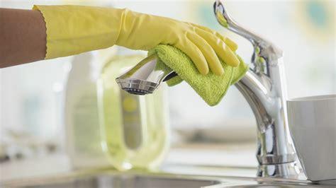 clean  house  avoid  flu martha stewart
