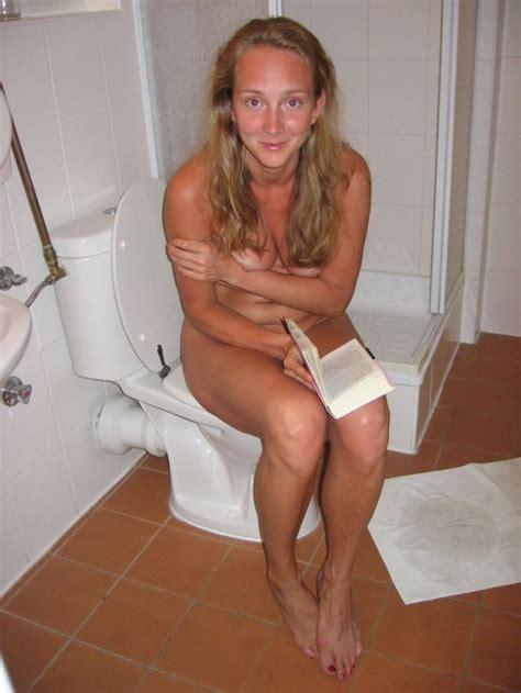Modest Naked Girl Caught Reading On The Throne Girls