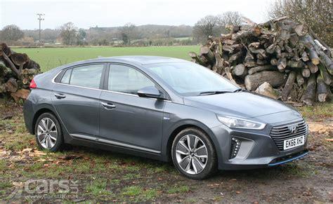 Hyundai Ioniq Hybrid Premium Se Review 2017 Cars Uk